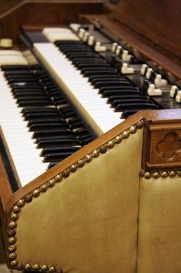 McIntyre Organ & Keyboard Repair - (206) 364-3615